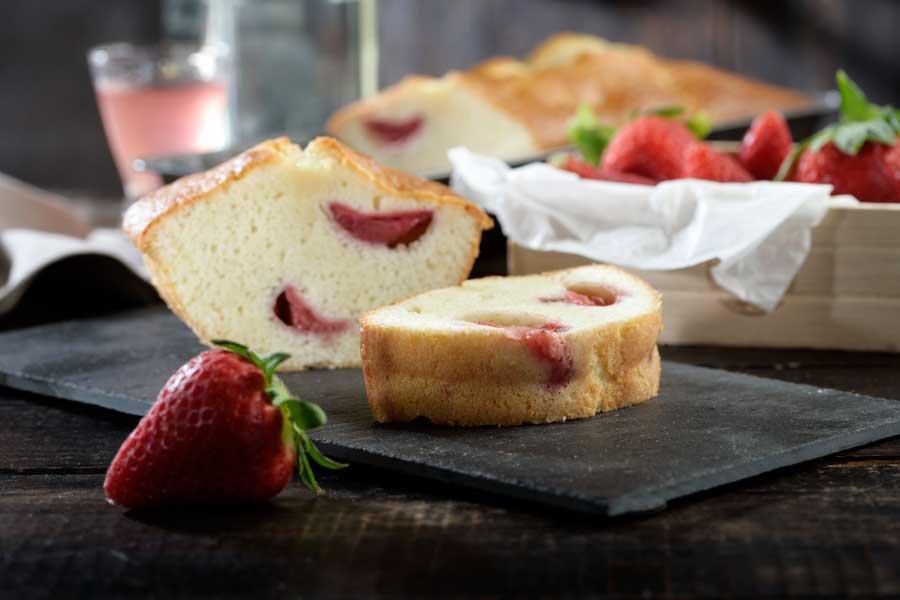 plum cake de fresas y vodka