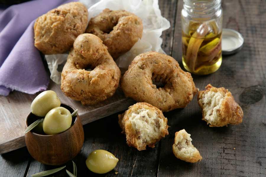 rosquillas anchoas y aceitunas